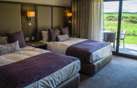 Overnight Stay In An Executive RoomBed Breakfast2 Course Lunch40 Minute Spa TreatmentPerfect For Treating Yours
